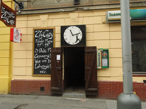 пивнушка Zlý Časy в Праге