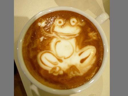 рисунок на кофе лягушка