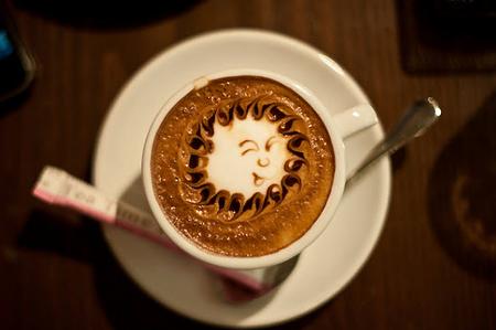 рисунок на кофе солнце