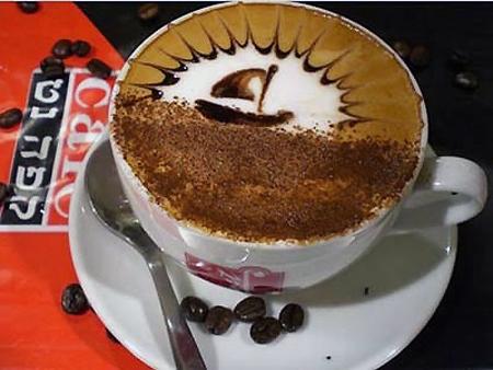 рисунок на кофе кораблик