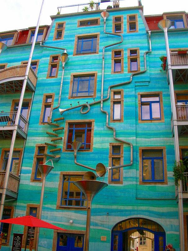 здание Kunsthofpassage в Дрездене