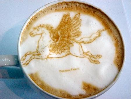 рисунок на кофе пегас