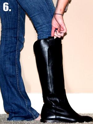 Как заправить широкие джинсы в сапожки