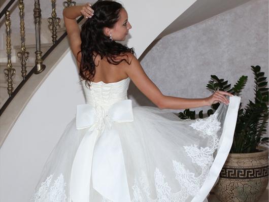 Банты на свадебных платьях