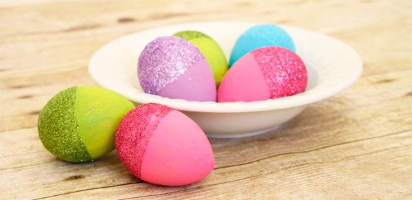 декорирование пасхальных яиц блестками