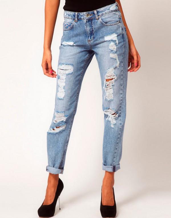 Рваные джинсы – тренд сезона