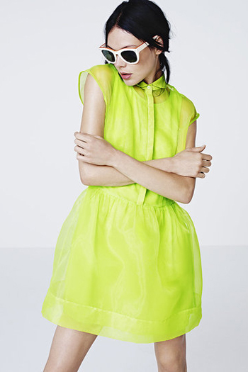 Модные неоновые платья