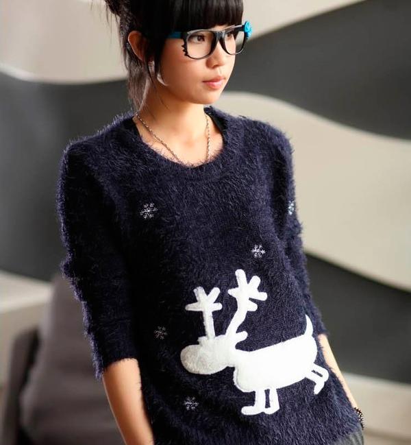 как украсить старый свитер