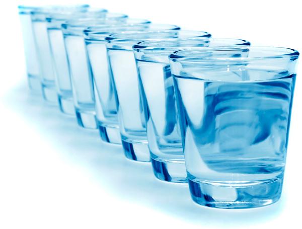 8 стаканов воды в день