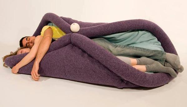 необычное одеяло кровать