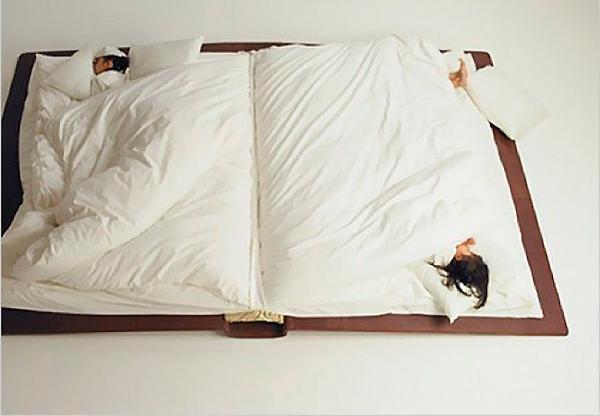 кровать книжка с одеялом