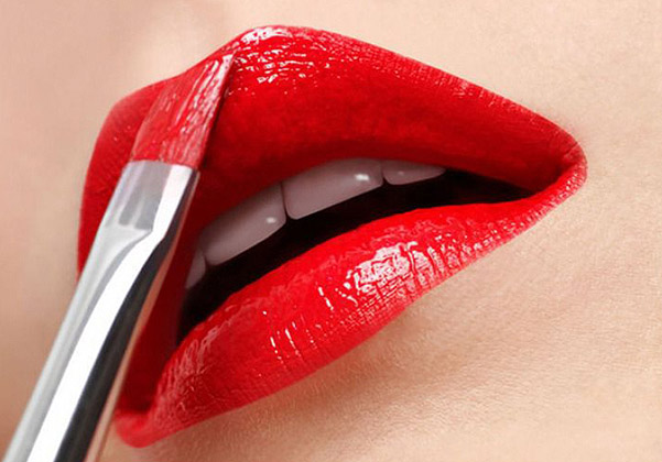 корректирующий макияж для губ
