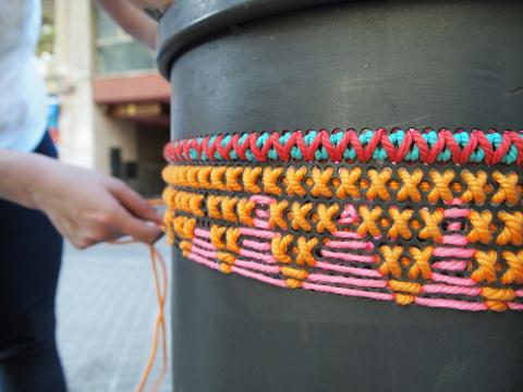 уличная вышивка крестом