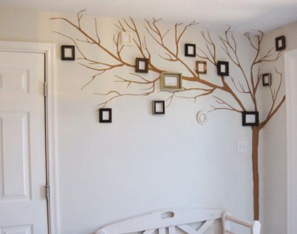 декор комнат рамками для фотографий