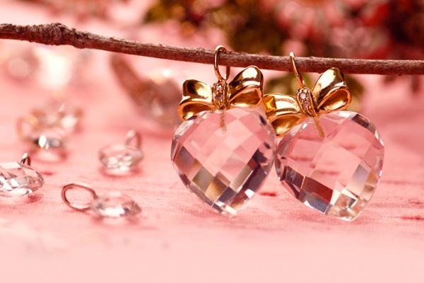 выбрать украшения в подарок