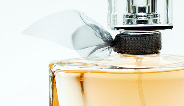 злоупотребление парфюмерией