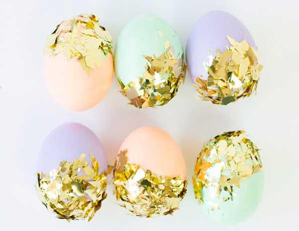 пасхальные яйца украшенные конфетти