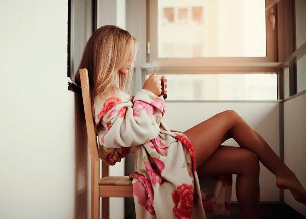 девушка в уютном халате