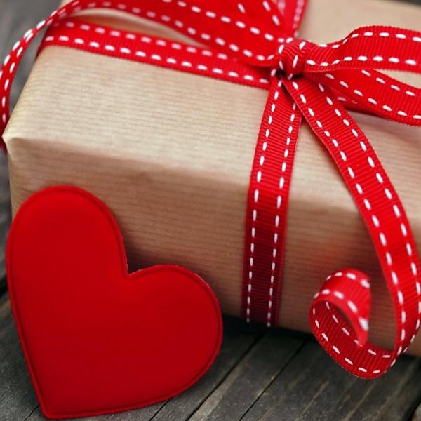 подарок парню на День Валентина