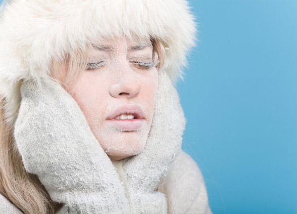 уход за сухой и шелушащейся кожей зимой
