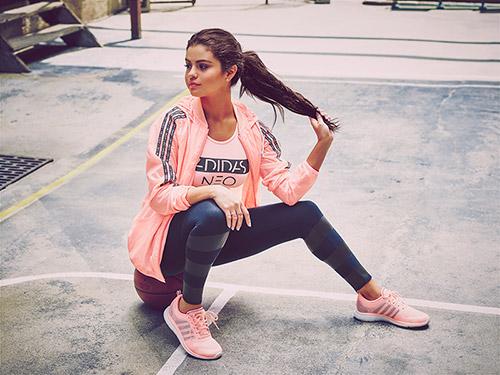 женская спортивная одежда Адидас