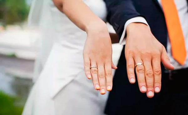 Традиционные гладкие свадебные кольца