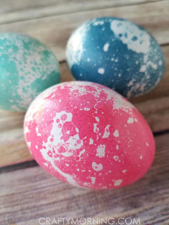 пасхальные яйца с мраморным рисунком