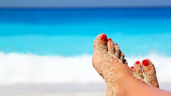 сохранить педикюр на пляжном отдыхе