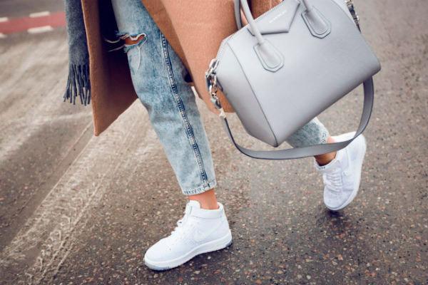 с чем носить кроссовки осенью 2018