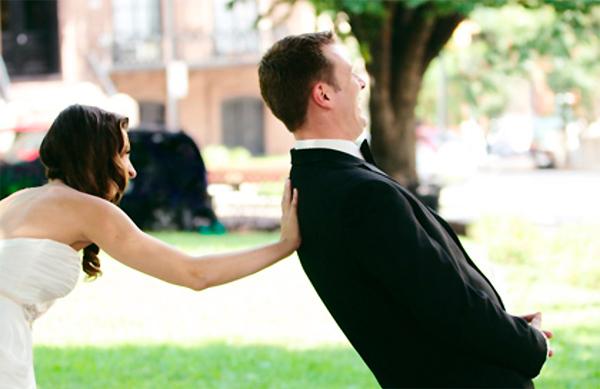 спрятать свадебное платье от жениха