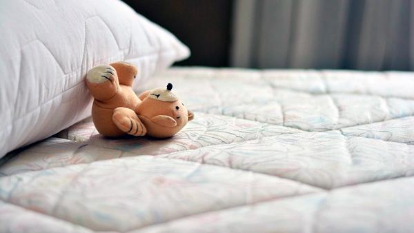 вибрати матрас за позою сну