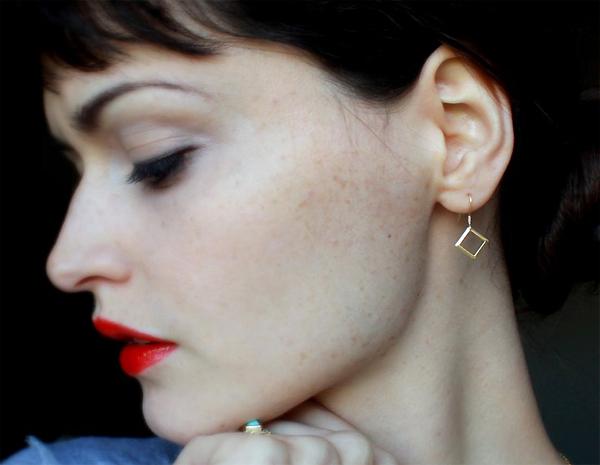 выбрать серьги для чувствительных ушей