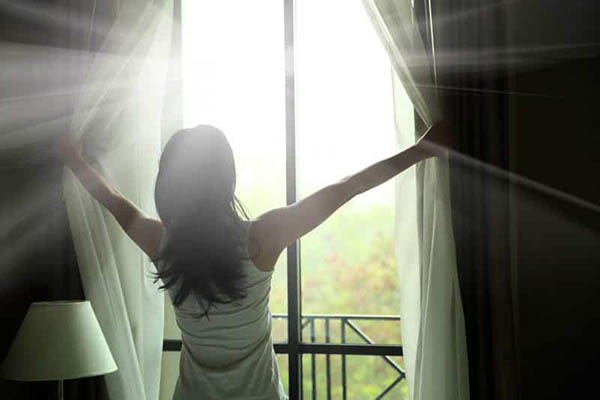 как стирать шторы дома