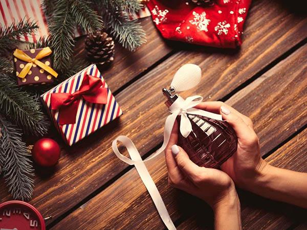 выбрать парфюм в подарок