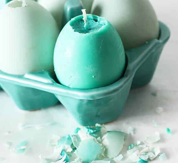 свечи в форме пасхальных яиц