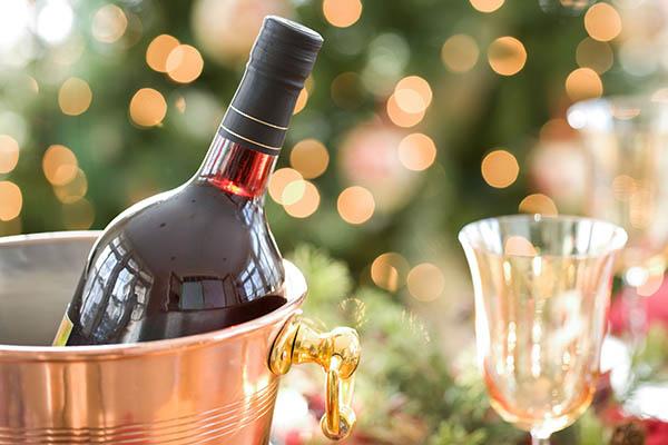 быстро охладить бутылку вина
